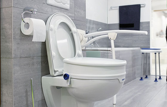 wc bad und wc rehabilitation mobilit t und pflege zu hause ladurner hospitalia. Black Bedroom Furniture Sets. Home Design Ideas